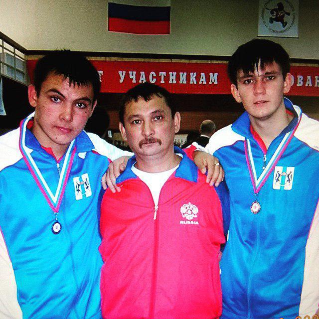 Отец и сыновья Урнтаевы
