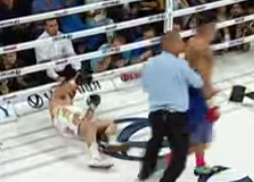 бокс усик последний бой видео 13 декабря 2015