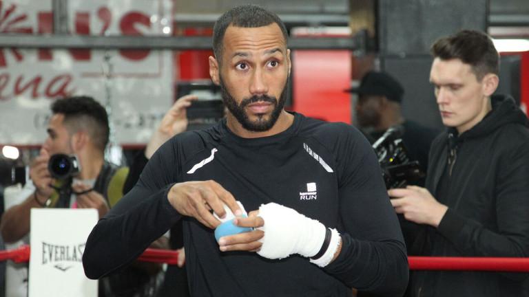 Шведский боксер отправил внокдаун судью впроцессе титульного боя