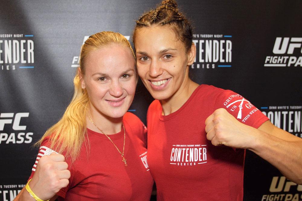 Антонина Шевченко дебютирует в UFC. На фото Валентина и Антонина Шевченко