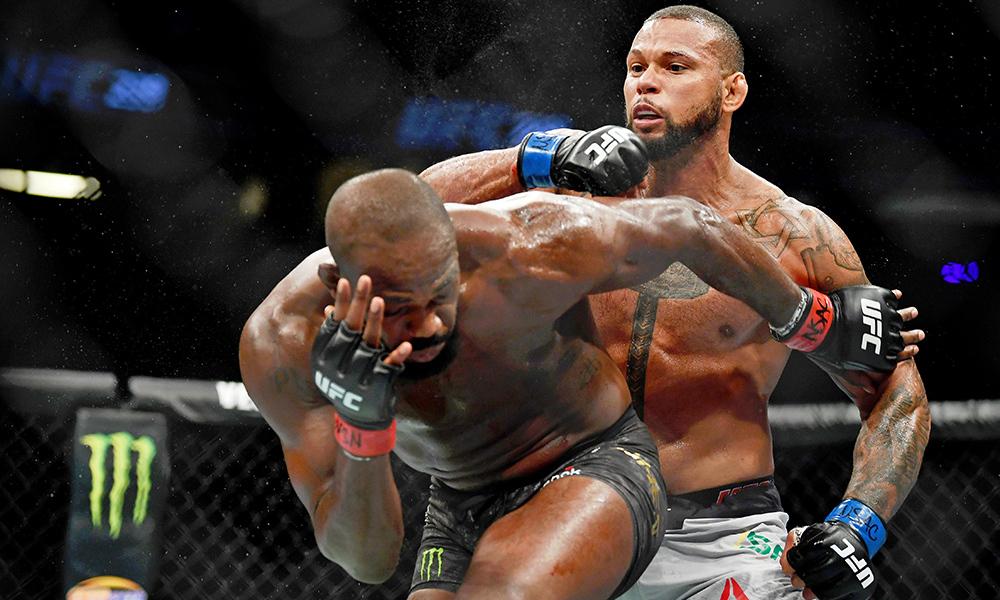 Джон Джонс в14-й раз завоевал титул чемпиона UFC