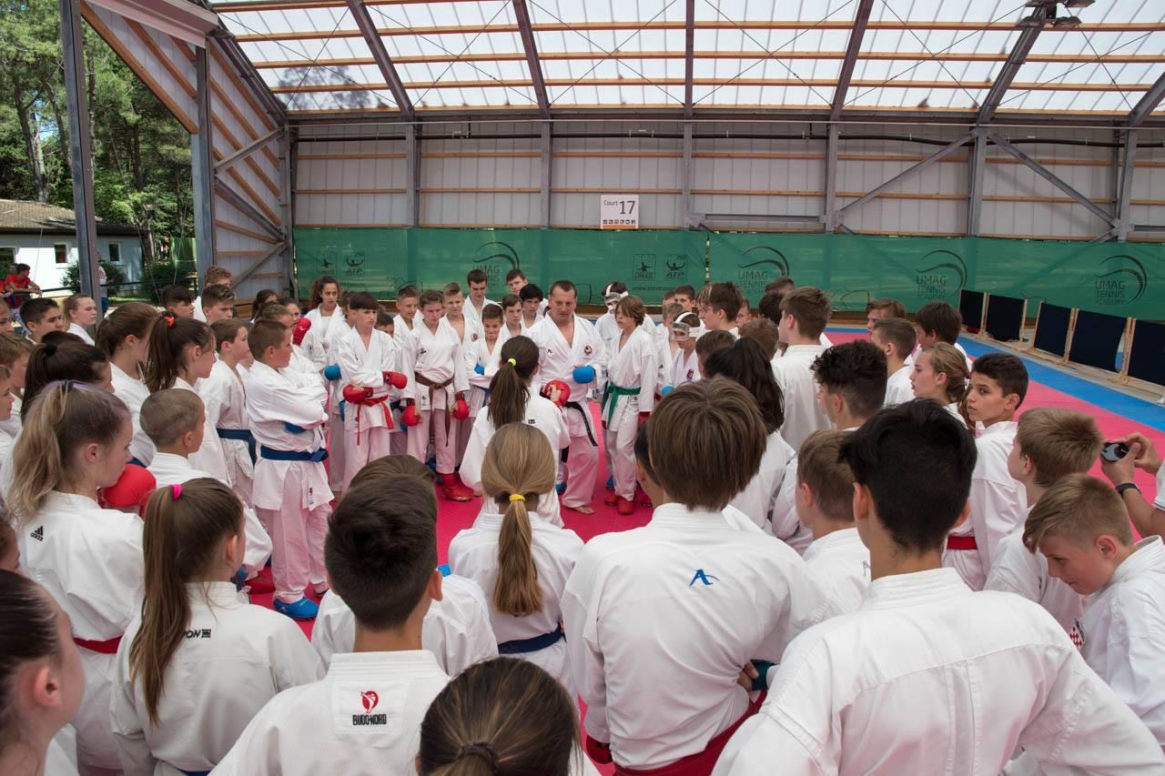 российский провайдер чемпионат по каратэ умаг хорватия нашей части видимо