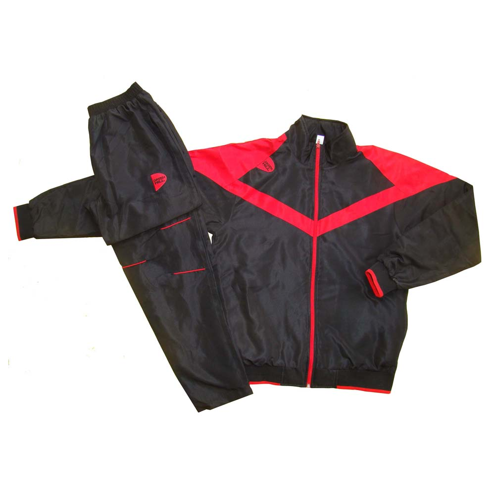 Костюм спортивный черный полиэстер для занятий спортом и повседневного ношения.