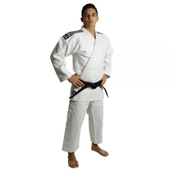 Кимоно для дзюдо Champion 2 IJF SLIM FIT белое  идеальное кимоно из плотной ткани усиленные места в областях с высокой нагрузкой