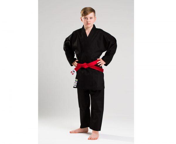 черное кимоно для каратэ