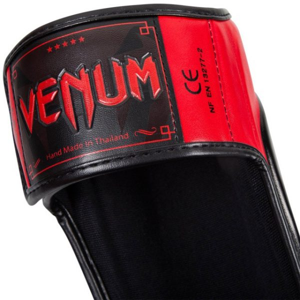 Щитки Venum Predator Black/Red